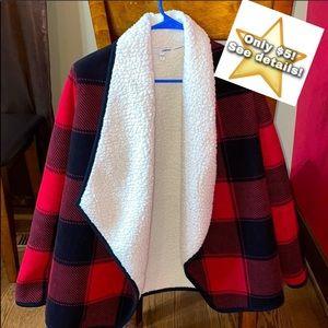 ⭐️ Sherpa sweater/jacket size Small